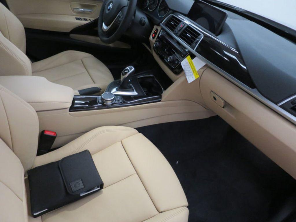 2017 BMW 3 Series 330i xDrive Gran Turismo - 15719351 - 26