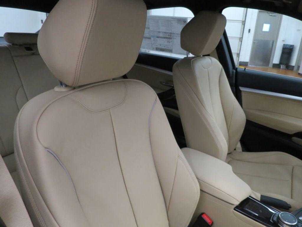2017 BMW 3 Series 330i xDrive Gran Turismo - 15719351 - 27