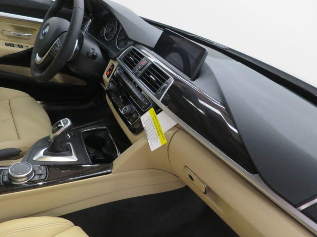 2017 BMW 3 Series 330i xDrive Gran Turismo - 15719351 - 31