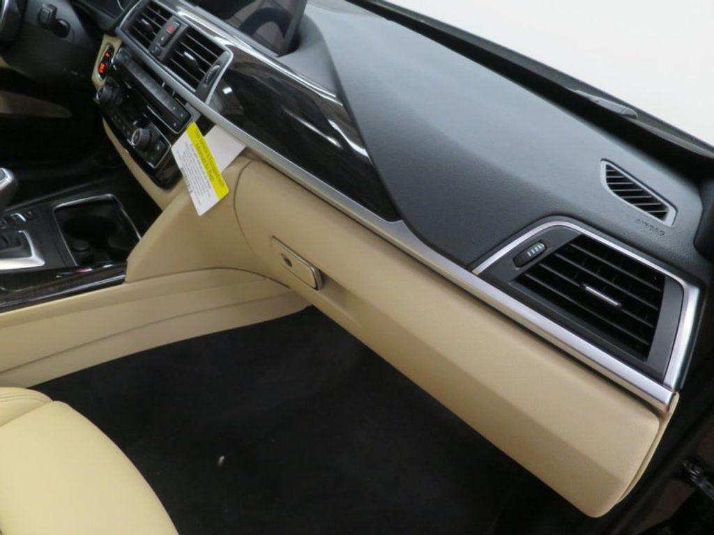 2017 BMW 3 Series 330i xDrive Gran Turismo - 15719351 - 32