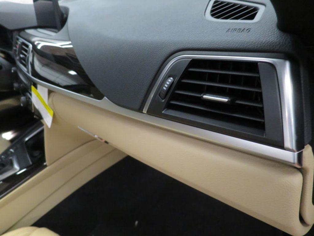 2017 BMW 3 Series 330i xDrive Gran Turismo - 15719351 - 33
