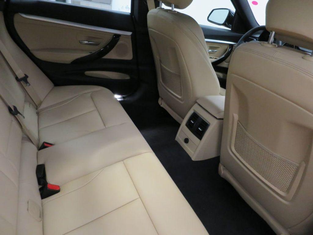 2017 BMW 3 Series 330i xDrive Gran Turismo - 15719351 - 36