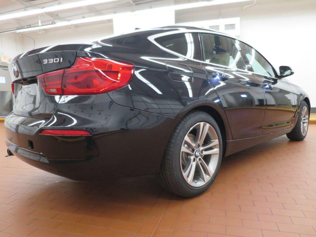 2017 BMW 3 Series 330i xDrive Gran Turismo - 15719351 - 3
