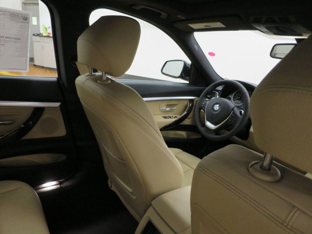 2017 BMW 3 Series 330i xDrive Gran Turismo - 15719351 - 39