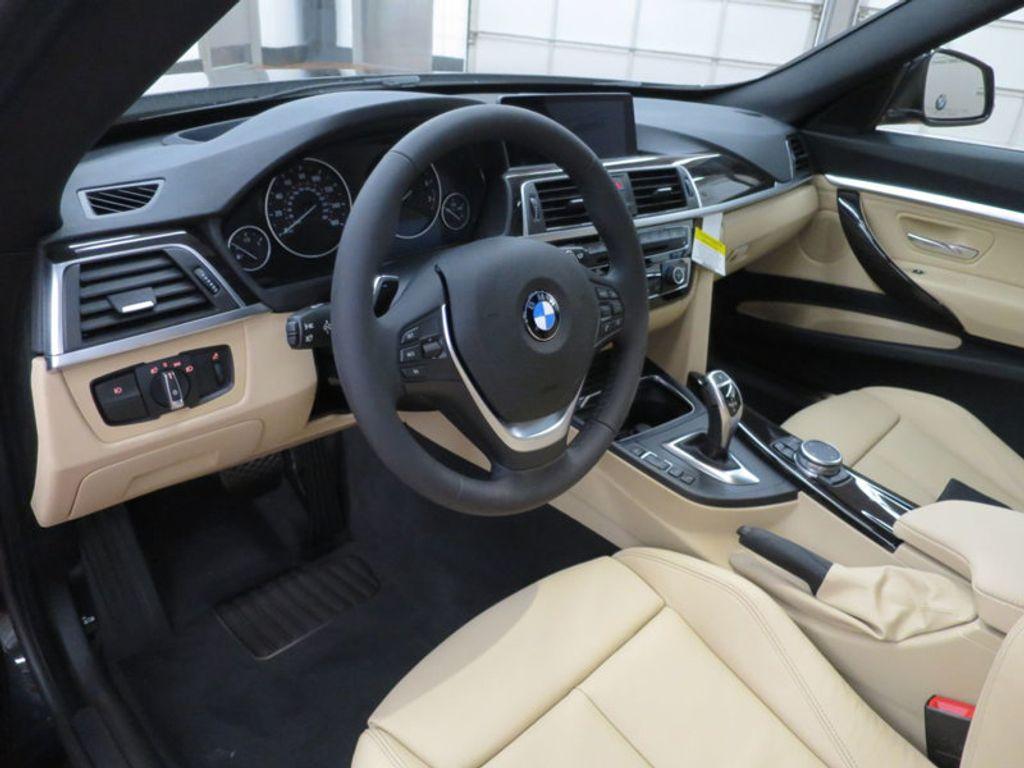 2017 BMW 3 Series 330i xDrive Gran Turismo - 15719351 - 40