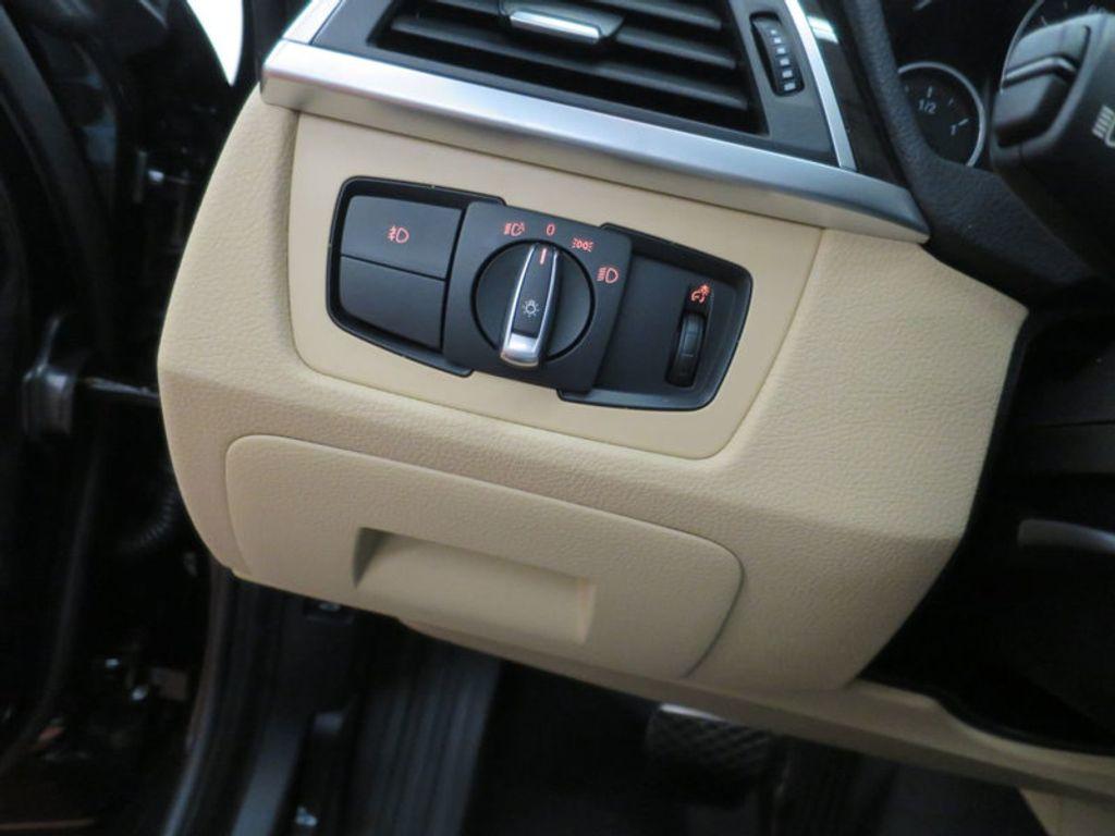 2017 BMW 3 Series 330i xDrive Gran Turismo - 15719351 - 42