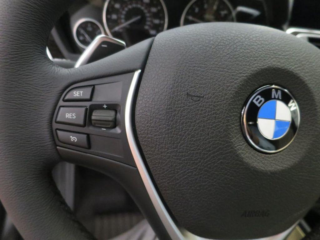 2017 BMW 3 Series 330i xDrive Gran Turismo - 15719351 - 45