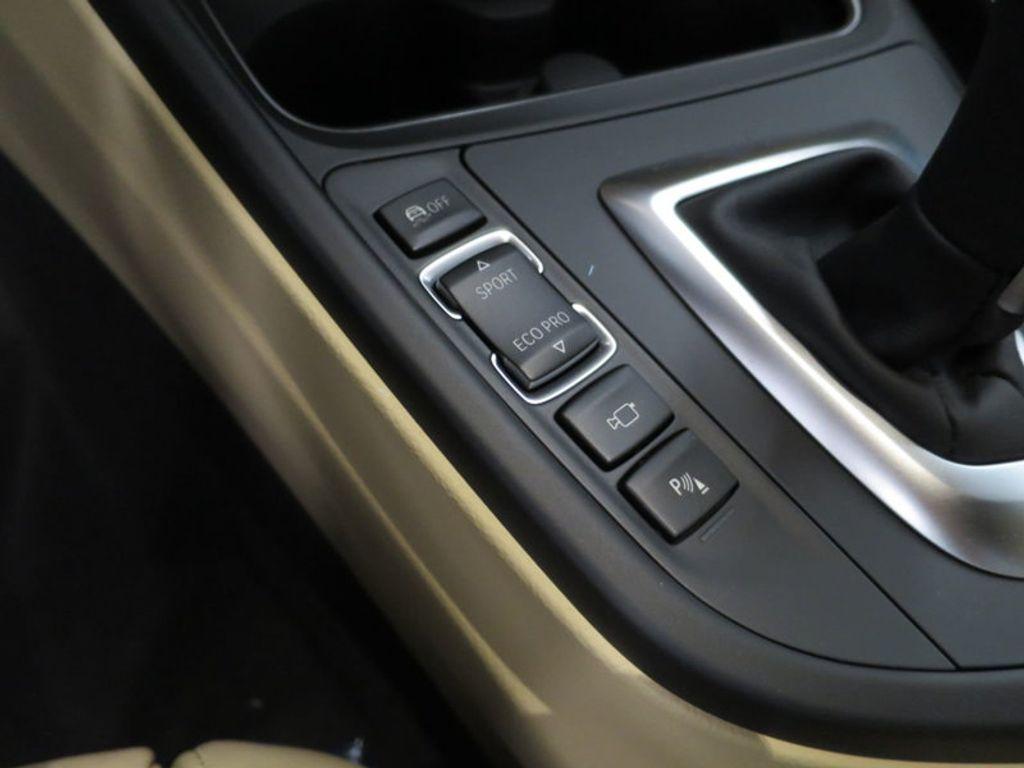 2017 BMW 3 Series 330i xDrive Gran Turismo - 15719351 - 51