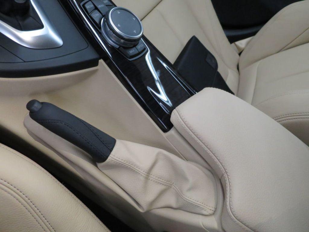 2017 BMW 3 Series 330i xDrive Gran Turismo - 15719351 - 54
