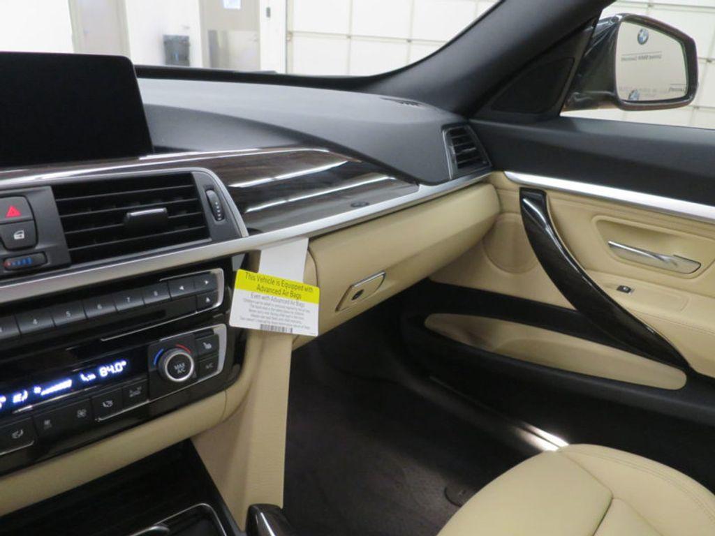 2017 BMW 3 Series 330i xDrive Gran Turismo - 15719351 - 55