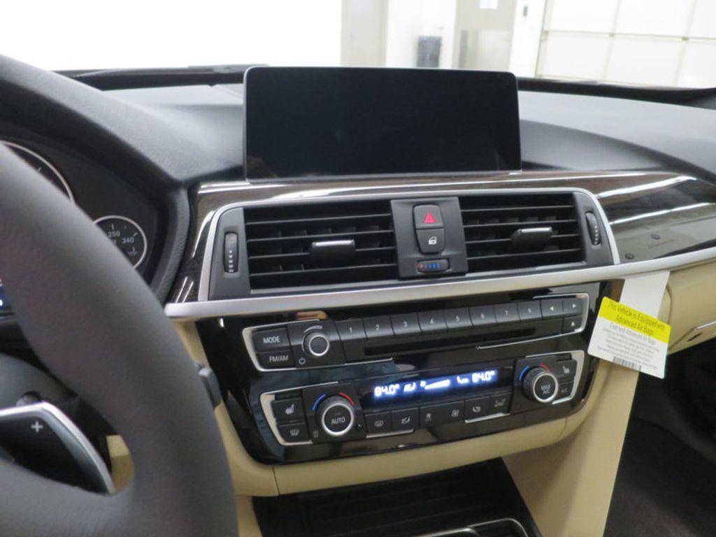 2017 BMW 3 Series 330i xDrive Gran Turismo - 15719351 - 56