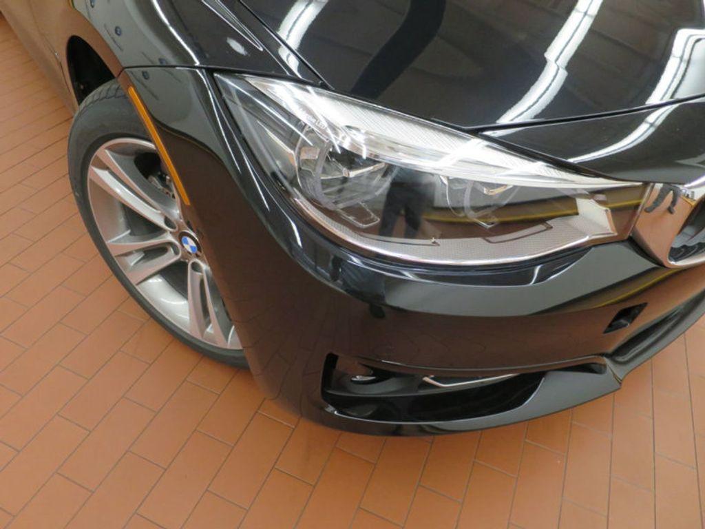 2017 BMW 3 Series 330i xDrive Gran Turismo - 15719351 - 6