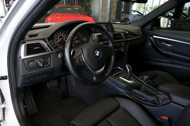2017 BMW 3 Series 340i - Click to see full-size photo viewer