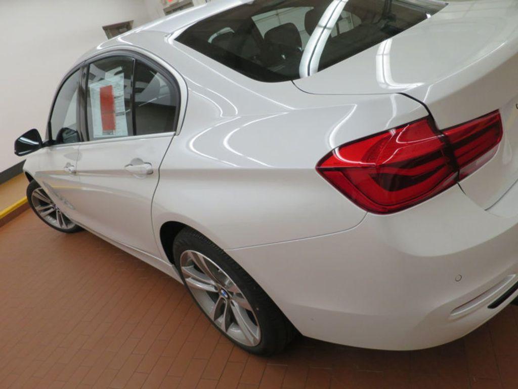 2017 BMW 3 Series 340i - 15768011 - 10