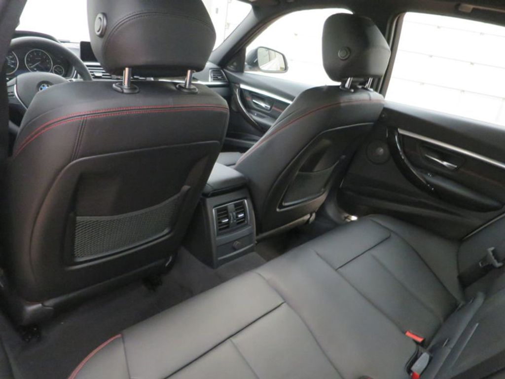 2017 BMW 3 Series 340i - 15768011 - 22