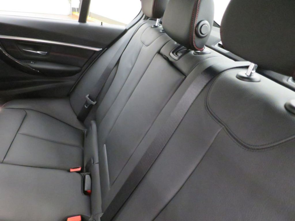 2017 BMW 3 Series 340i - 15768011 - 24