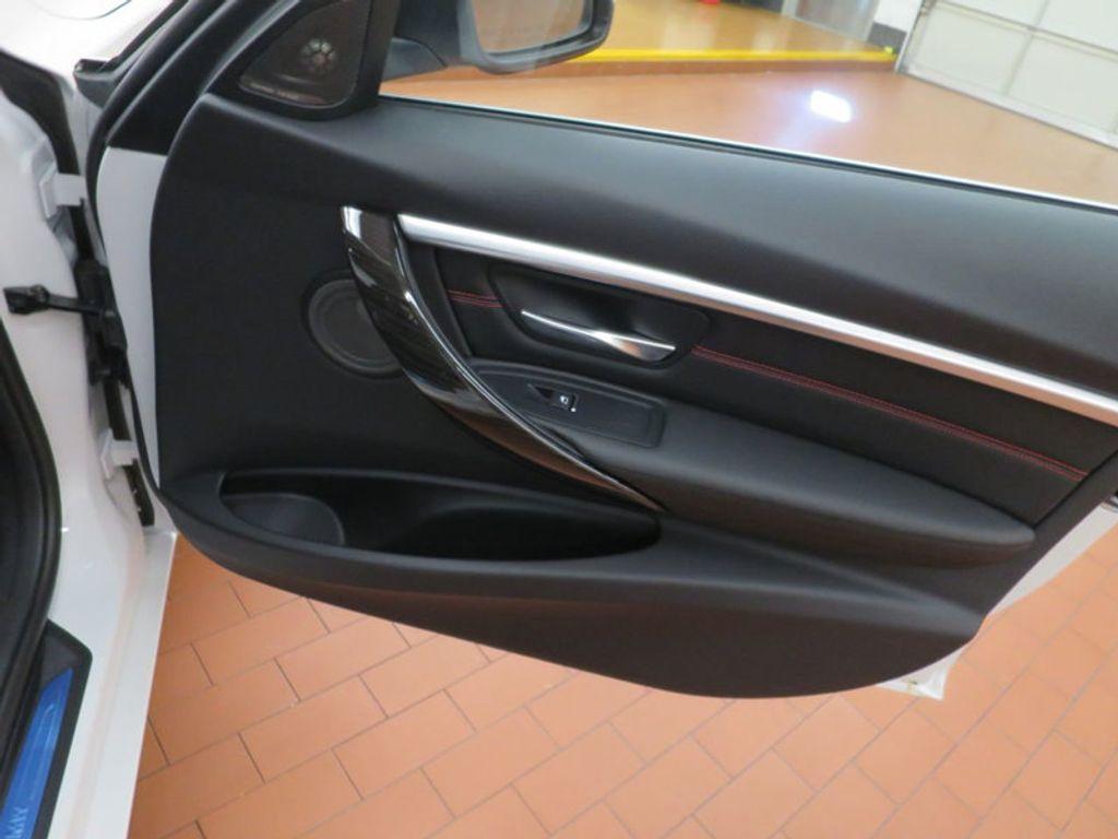 2017 BMW 3 Series 340i - 15768011 - 26