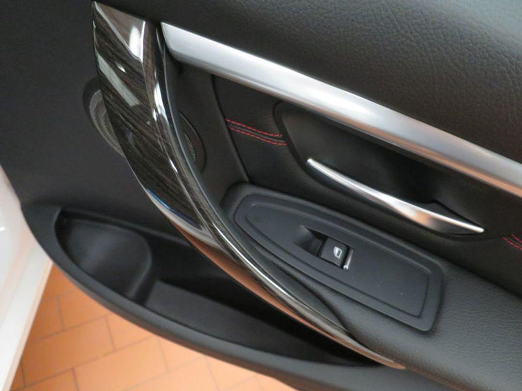 2017 BMW 3 Series 340i - 15768011 - 27