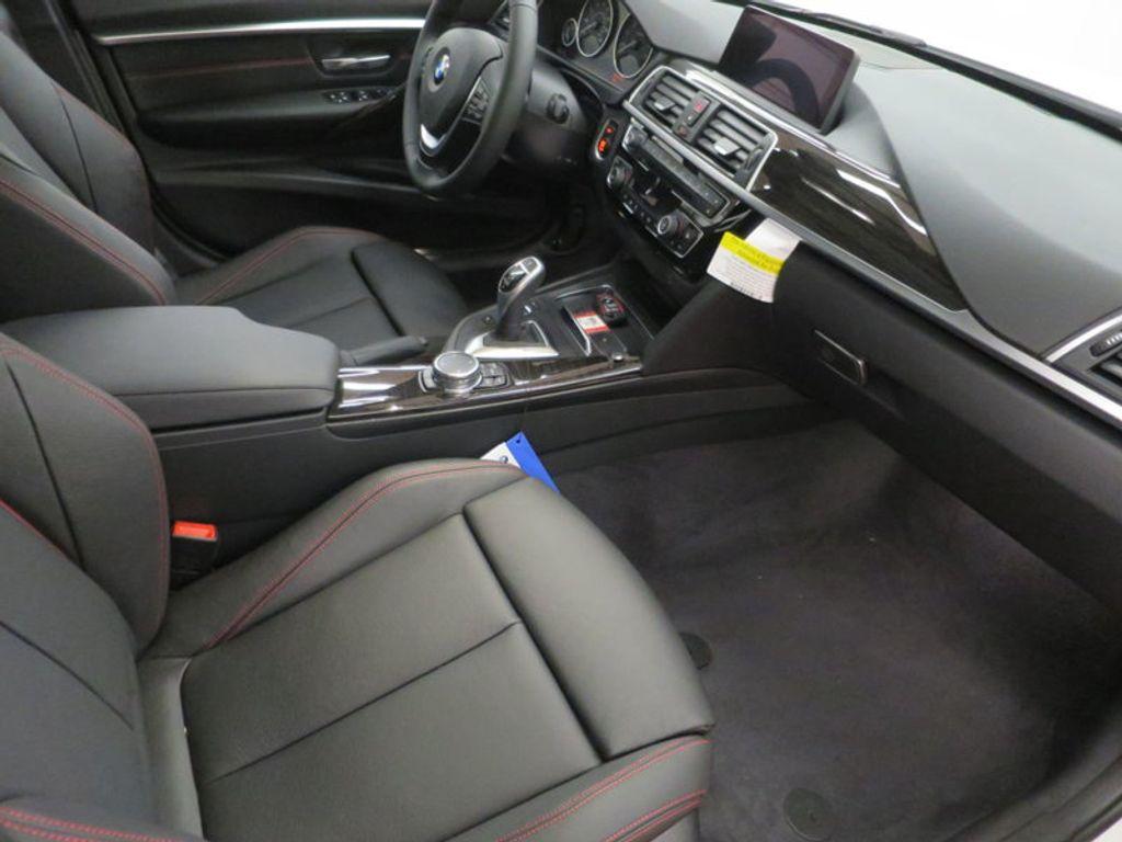 2017 BMW 3 Series 340i - 15768011 - 28