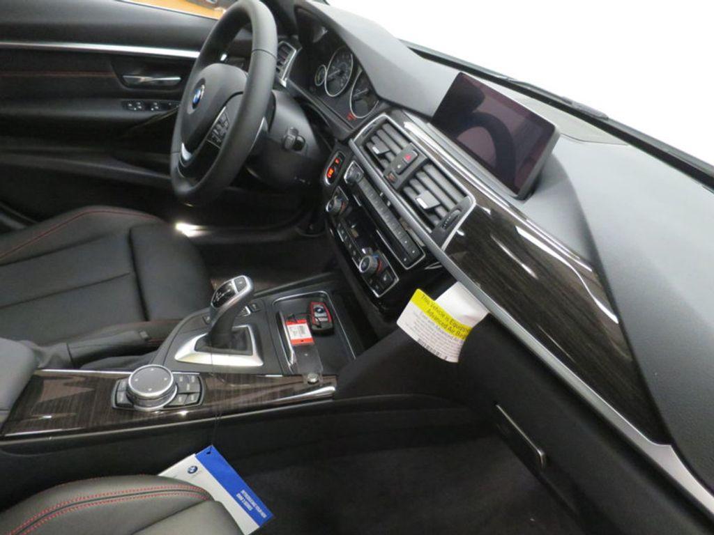 2017 BMW 3 Series 340i - 15768011 - 32