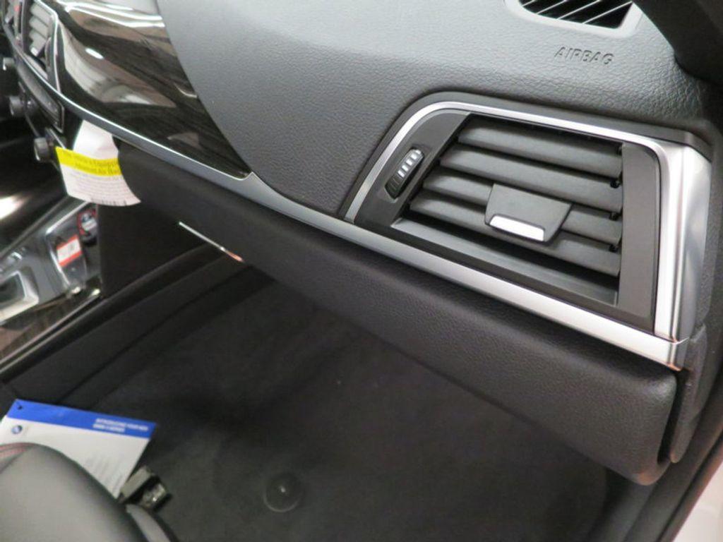 2017 BMW 3 Series 340i - 15768011 - 34