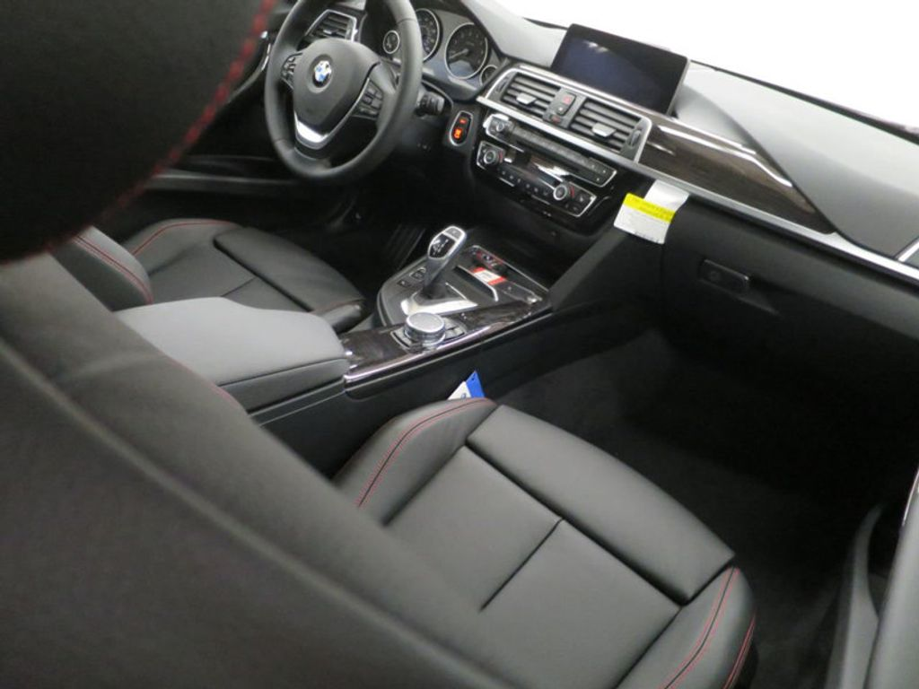 2017 BMW 3 Series 340i - 15768011 - 39