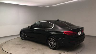 2017 BMW 5 Series 530i Sedan - Click to see full-size photo viewer