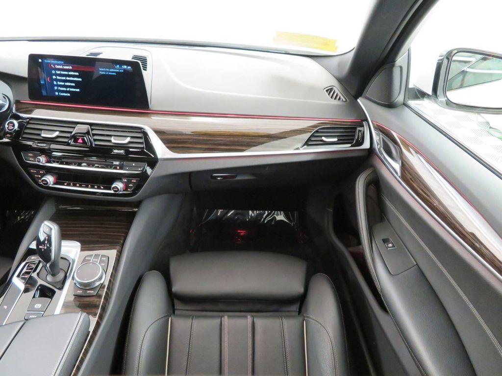 2017 BMW 5 Series 530i xDrive - 18406481 - 12