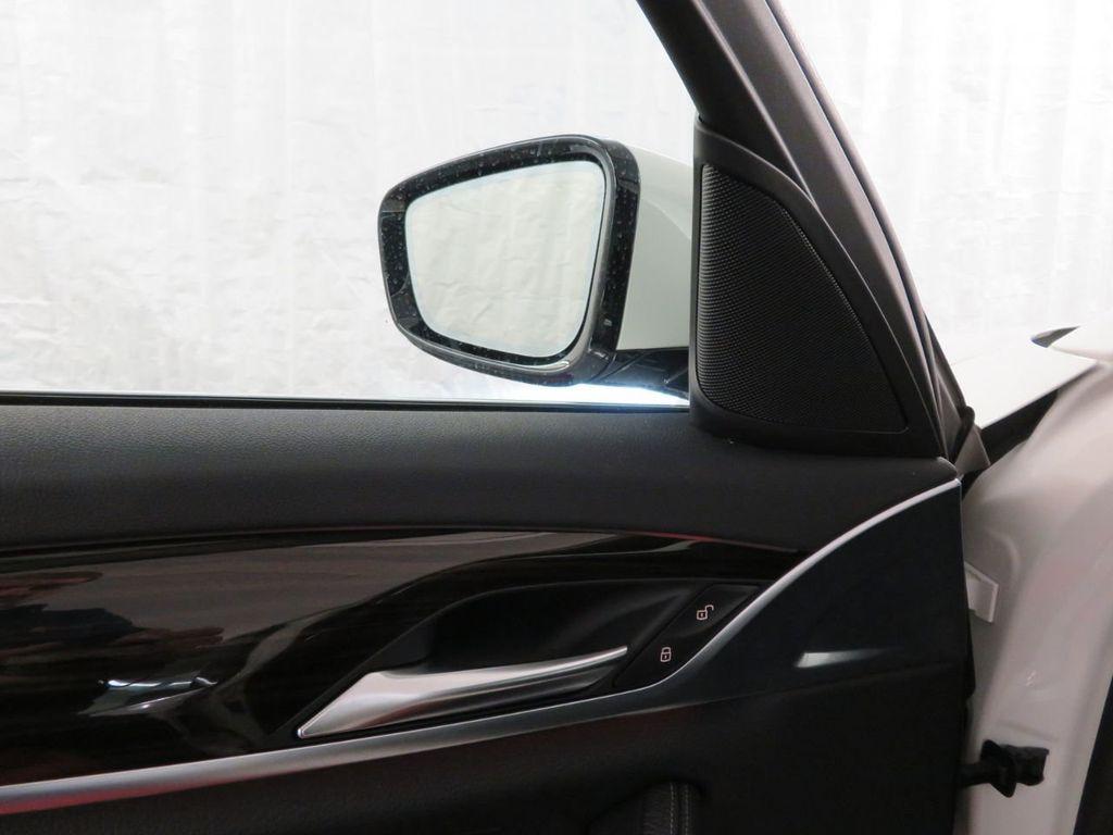 2017 BMW 5 Series 530i xDrive - 18406481 - 14
