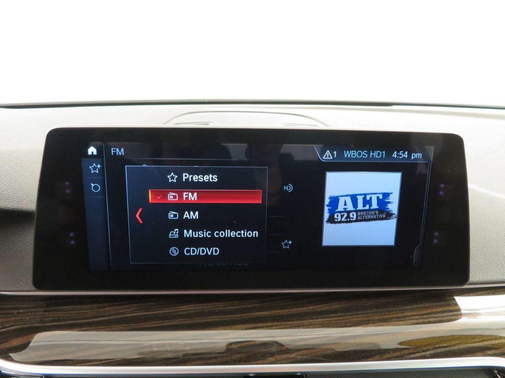 2017 BMW 5 Series 530i xDrive - 18406481 - 27
