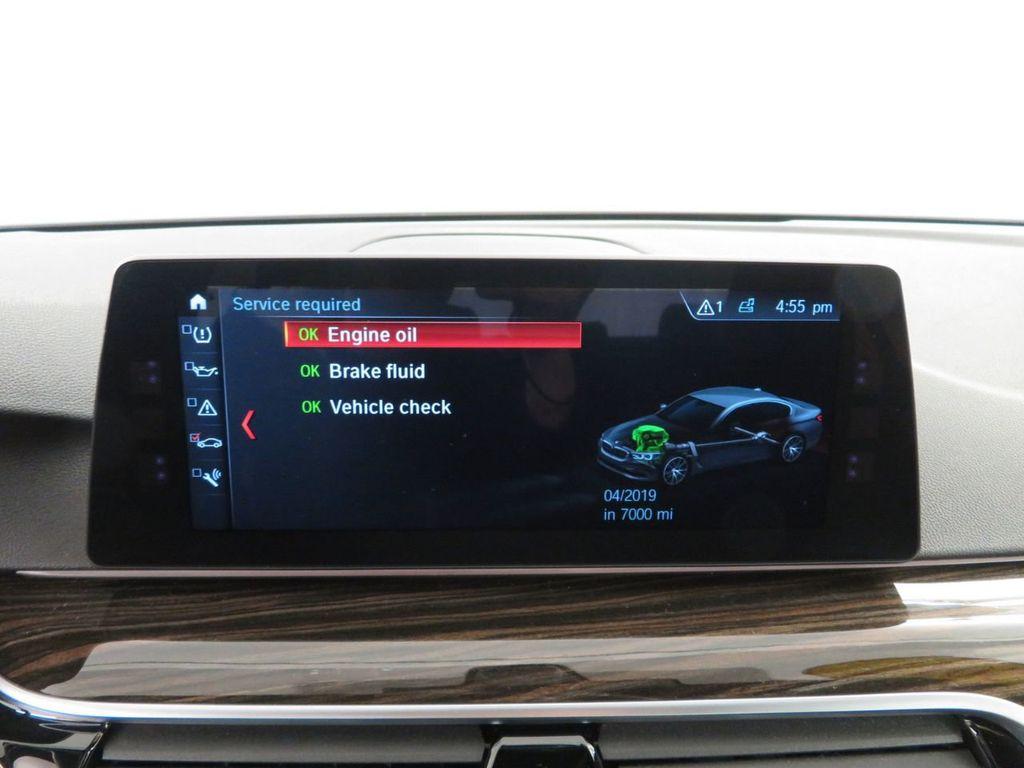 2017 BMW 5 Series 530i xDrive - 18406481 - 29