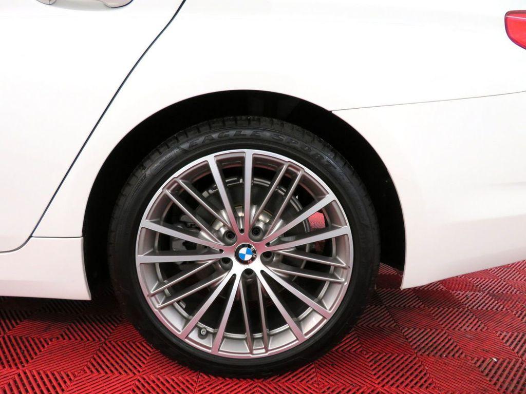 2017 BMW 5 Series 530i xDrive - 18406481 - 42