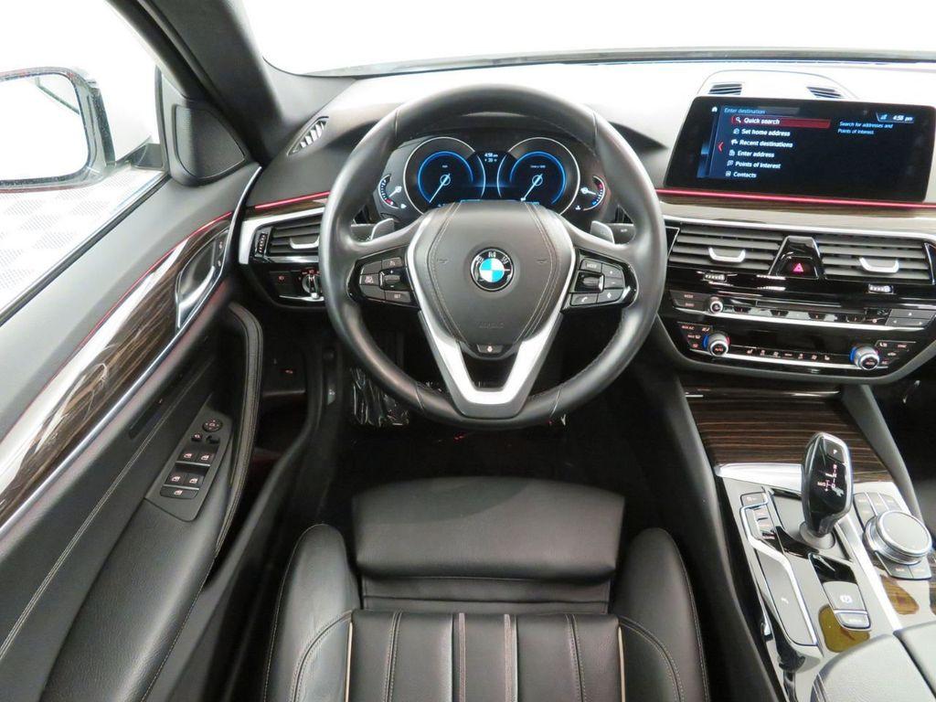 2017 BMW 5 Series 530i xDrive - 18406481 - 6