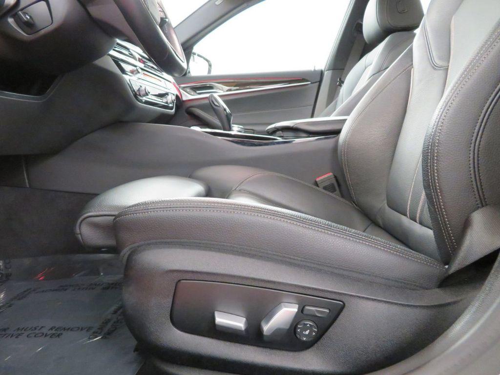 2017 BMW 5 Series 530i xDrive - 18406481 - 8