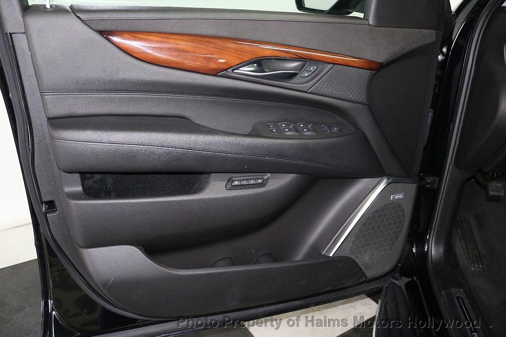 2017 Cadillac Escalade 4WD 4dr Luxury - 17886158 - 10