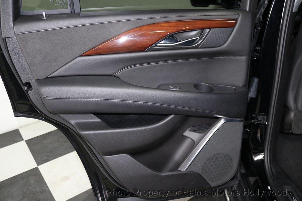 2017 Cadillac Escalade 4WD 4dr Luxury - 17886158 - 11