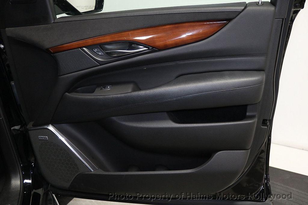 2017 Cadillac Escalade 4WD 4dr Luxury - 17886158 - 13