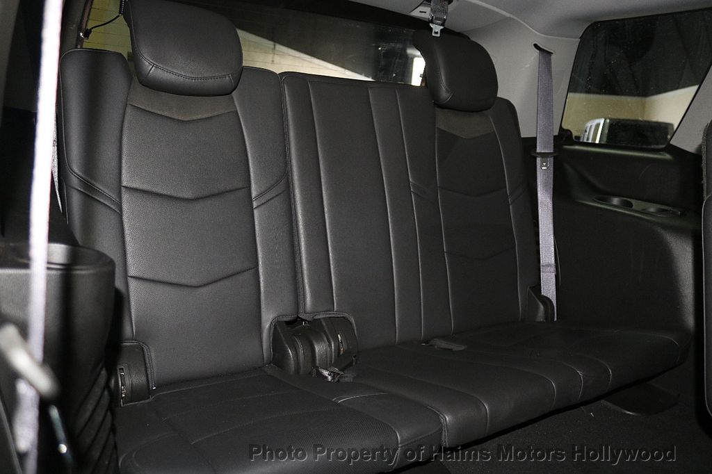 2017 Cadillac Escalade 4WD 4dr Luxury - 17886158 - 16