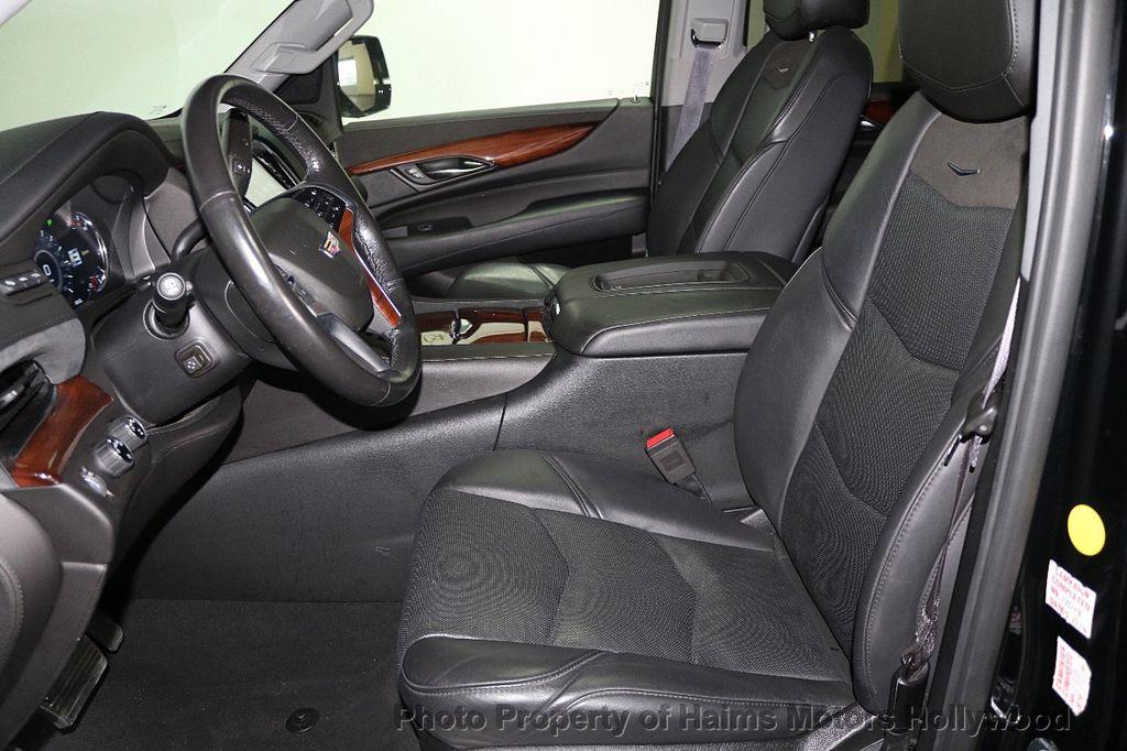 2017 Cadillac Escalade 4WD 4dr Luxury - 17886158 - 19