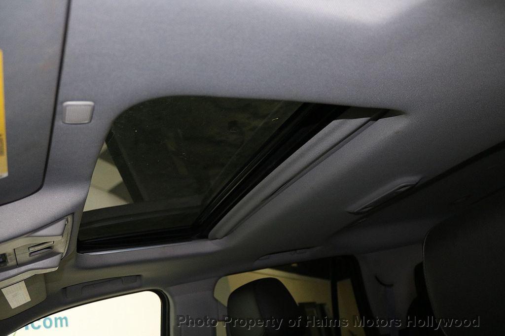 2017 Cadillac Escalade 4WD 4dr Luxury - 17886158 - 21