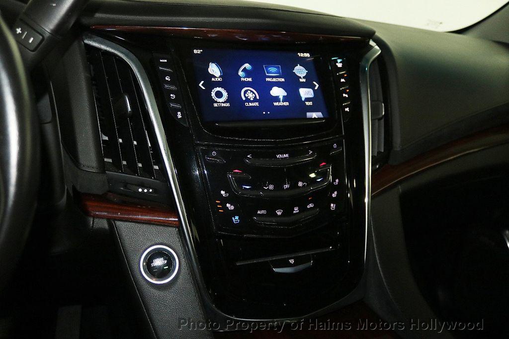 2017 Cadillac Escalade 4WD 4dr Luxury - 17886158 - 22