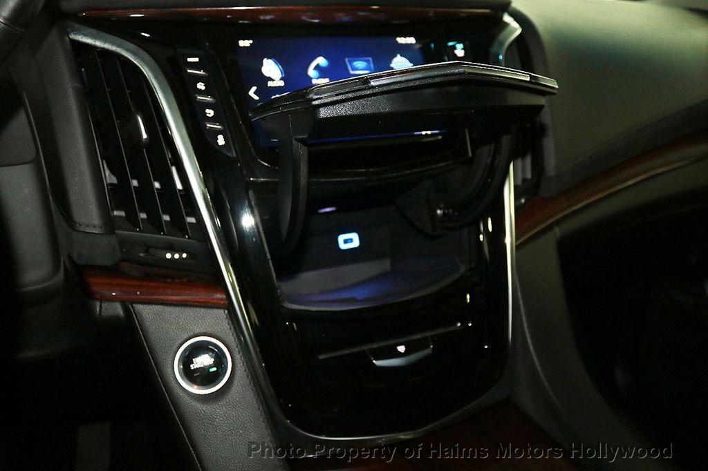 2017 Cadillac Escalade 4WD 4dr Luxury - 17886158 - 24