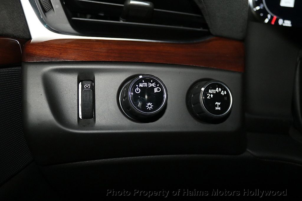 2017 Cadillac Escalade 4WD 4dr Luxury - 17886158 - 27