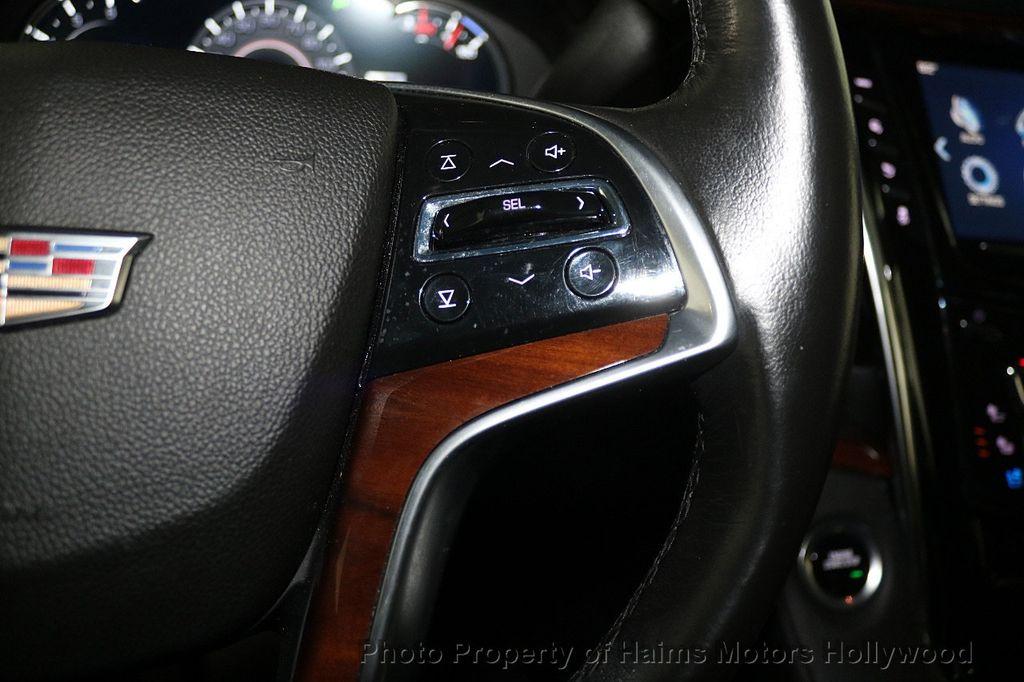 2017 Cadillac Escalade 4WD 4dr Luxury - 17886158 - 29