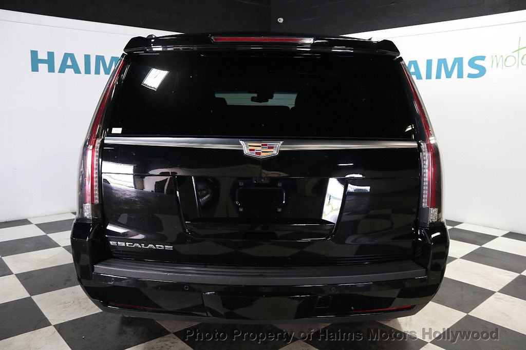 2017 Cadillac Escalade 4WD 4dr Luxury - 17886158 - 5