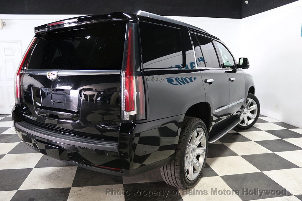 2017 Cadillac Escalade 4WD 4dr Luxury - 17886158 - 6