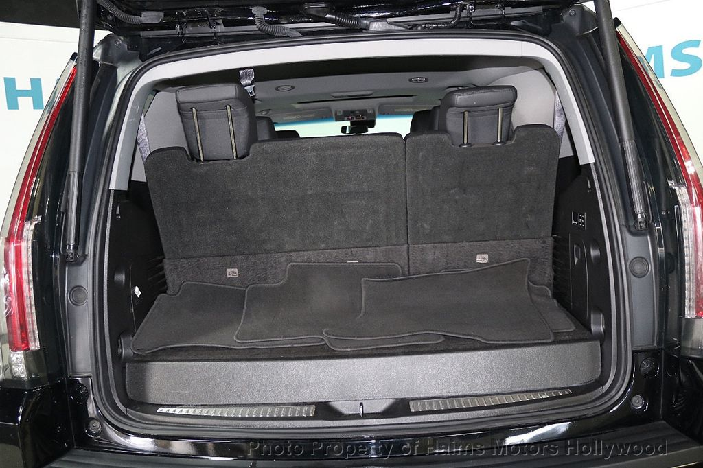 2017 Cadillac Escalade 4WD 4dr Luxury - 17886158 - 7