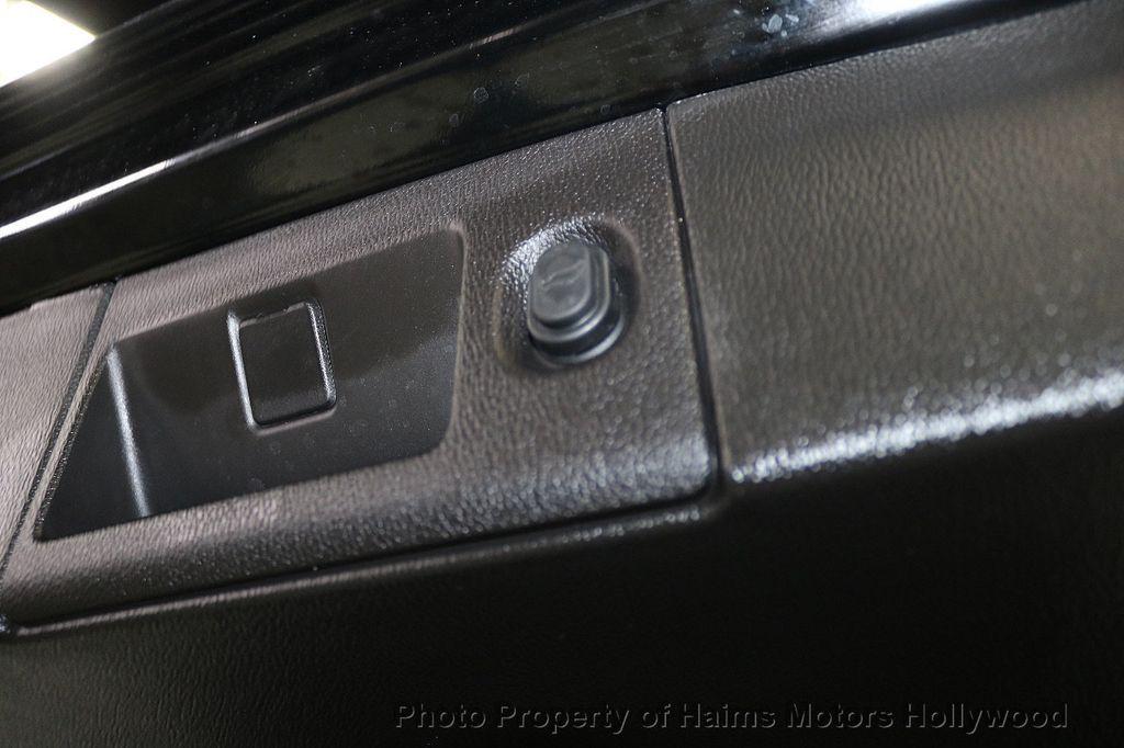 2017 Cadillac Escalade ESV 2WD 4dr Luxury - 17948713 - 9