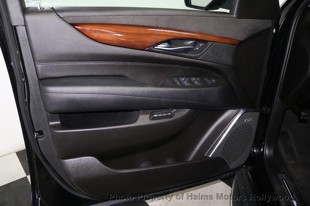 2017 Cadillac Escalade ESV 2WD 4dr Luxury - 17948713 - 10