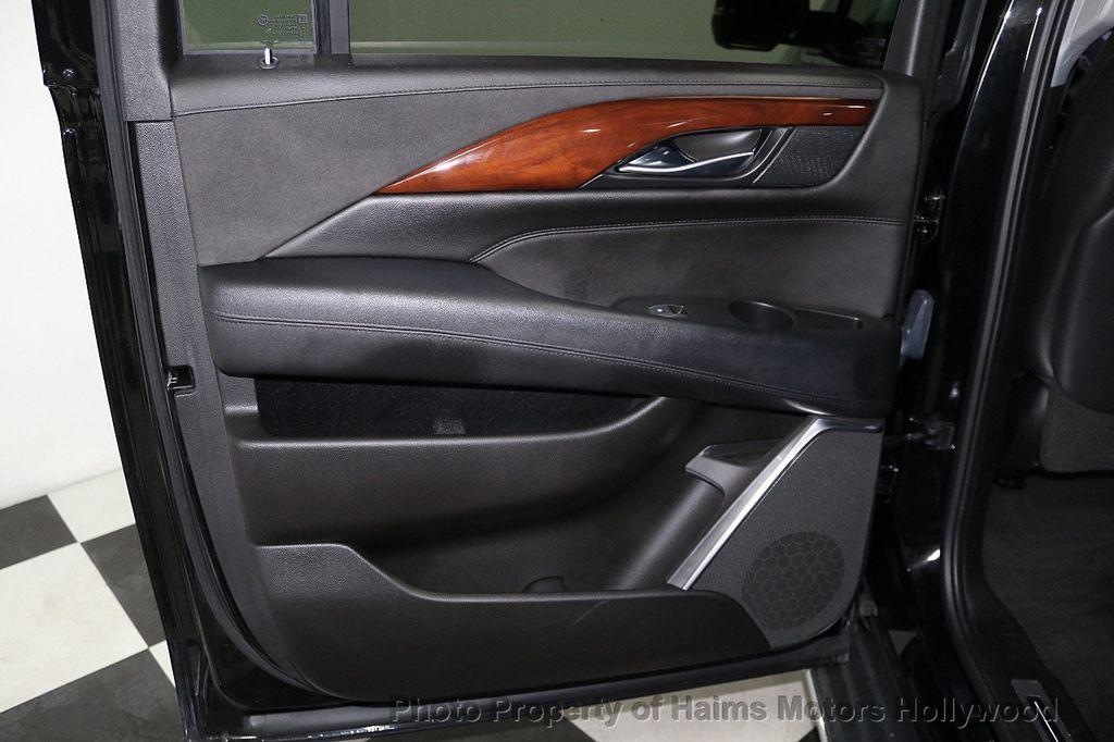 2017 Cadillac Escalade ESV 2WD 4dr Luxury - 17948713 - 11